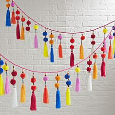 Pom pom garland – DIYable Pom pom garland – DIYable DIY Art and Craft Projects Craft Stick Crafts, Diy And Crafts, Crafts For Kids, Arts And Crafts, Fruit Crafts, Homemade Crafts, Recycled Crafts, Bead Crafts, Hanging Garland