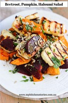 Beetroot, pumpkin haloumi salad, is delicious and looks just as impressive as a restaurant dish. It has enough gorgeous ingredients to make everyone happy Halloumi, Vegetarian Recipes, Cooking Recipes, Healthy Recipes, Cooking Icon, Cooking Games, Pumpkin Salad, Clean Eating, Salads