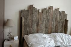 17 DIY Headboards Ideas That Will Wake Up Your Tired Bedroom: Build a Rustic…