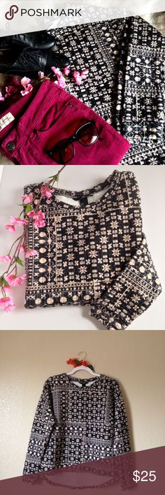 H&M Printed Pullover Sweatshirt Cute and comfy h&m pullover sweatshirt, black and off white colored, size S. I accept reasonable offers 😊 H&M Tops Sweatshirts & Hoodies