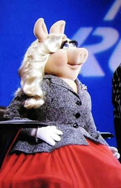 Miss Piggy Guest Judge on Project Runway