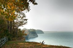The 1,900-acre plantation that is the site of Stratford Hall, birthplace of Robert E. Lee, has impressive views of cliffs along the Potomac River [in Virginia]. NYtimes.com