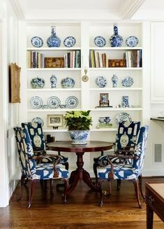 Impressive French Country Living Room Design To This Fall Ideas 39 Decor, Living Room Designs, Interior, Dining Room Decor, Home Decor, Country Living Room Design, House Interior, Blue Rooms, White Decor
