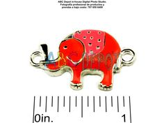 #Conector #Elefante en metal color plata pintado con esmalte de 29x18mm.  Código: ESC2918#