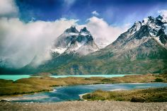 Plannina a trip to Chile's capital? Here is a look at some of the best things to do in Santiago del Chile on your next trip! Backpacking South America, South America Travel, Vacations In The Us, Beach Vacations, Torres Del Paine National Park, Nature Landscape, Wanderlust, Peru Travel, Hiking Trails
