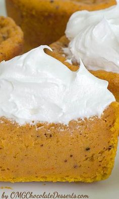 OMG Pumpkin Pie Cupcakes | pumpkin desserts. recipes