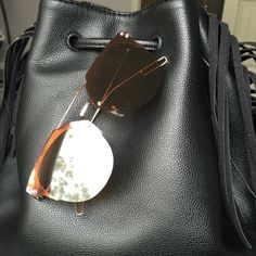 Brown & Gold Fun reflective mirrored fashion sunglasses. Oversized with a gold tone metal frame. 100% UVA & UVB protection. Check my closet for more color options. Price firm unless bundled. No trades. Accessories Glasses
