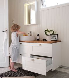 Svedbergs stil (Sink deep) - Lilly is Love Kitchen Cabinets In Bathroom, Laundry In Bathroom, Bathroom Inspo, Bathroom Layout, Kitchen Tiles, Bathroom Storage, Bathroom Inspiration, New Kitchen, Master Bathroom