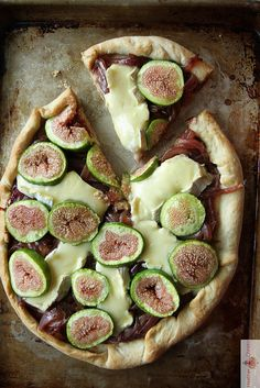 Fig, Brie and Caramelized Onion Pizza by Heather Christo, via Flickr