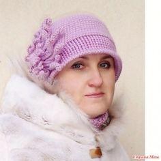 """Я профессионально занимаюсь вязанием шапок.  Мне нравится придумывать новые модели и делать к ним описания.  Вязаная шляпа """"Хризантема"""" - одна из моих любимых моделей."""