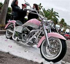 Pink Motorcycle- need ride one of these! Vintage Harley Davidson, Lady Biker, Biker Girl, Mv Agusta, Ducati, Moto Logo, Pink Motorcycle, Women Motorcycle, Bobber Motorcycle