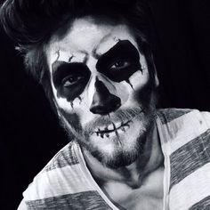 Mens sugar skull makeup for Halloween