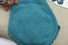 Peto para bebé a dos agujas – Ropa DIY.