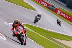 From Vroom Mag... WorldSBK, Lausitzring: Chaz Davies dominates in Germany with Race One victory