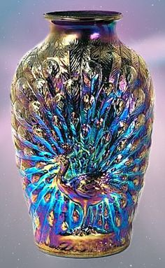 carnival glass peacock vase, also sometimes found as a lamp and in a few different colors. Peacock Decor, Peacock Colors, Peacock Art, Peacock Bedroom, Peacock Pattern, Peacock Design, Peacock Feathers, Vintage Carnival, Fenton Glass