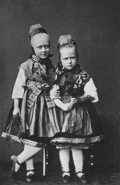 Princesses Victoria and Elisabeth of Hesse (Darmstadt) and By Rhine in June 1868 [in Portraits of Royal Children Princess Louise, Princess Alice, Princess Alexandra, Princess Elizabeth, Queen Elizabeth Ii, Royal Princess, Queen Victoria Family, Victoria And Albert, Princess Victoria
