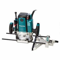 Makita RP2301FCXK/2 Review 1/2-Inch 240V Plunge Router in Carry Case