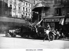 The first Leclerc tanks are arriving near Place du Châtelet in Paris (August 25 - Stock Image Free French, August 25, France, Ww2, Barcelona, Spain, Stock Photos, Places, Photography
