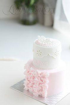 cerys 2 bd cake by LyonWu, via Flickr