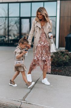 5 Things My Daughter has Taught Me Outfits Niños, Family Outfits, Cool Outfits, Fashion Outfits, Fashion Clothes, Mother Daughter Outfits, Mom Daughter, Mein Style, Fashion Kids