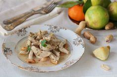 Piatto sfizioso e profumato, il tacchino al bergamotto e zenzero con arachidi tostate è molto semplice da preparare. Un secondo originale, leggero e gustoso