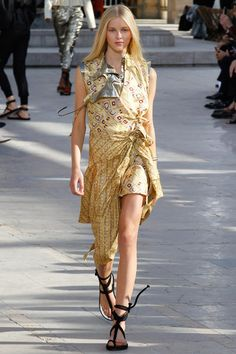 Isabel Marant Spring 2016 Ready-to-Wear Collection - Vogue