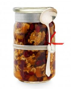 Honey, Walnut, and Dried-Fruit Topping This sweet gift looks as good as it tastes. The crunchy-chewy mix includes walnuts, dried fruit, and. Homemade Food Gifts, Edible Gifts, Homemade Christmas Gifts, Cheap Christmas, Diy Food, Handmade Christmas, Holiday Gifts, Fruit Topping Recipe, Diy With Kids