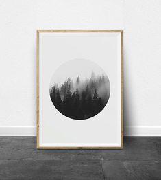 IMPRESIÓN ARTE - BLANCO Y NEGRO FOTOGRAFÍA IMPRESIÓN CONJUNTO Descargar archivos al instante e imprimir desde casa. Se trata de un sistema de impresión simple, minimalista, blanco y negro. Las sombras de la fotografía de bosque, creando un efecto abstracto ombre. Visto desde lejos los árboles también parecen Resumen trazos de pintura. Una impresión es rectángulo y la otra impresión circular. El par correspondiente de impresiones con su sencillez y su forma geométrica es tendencia para muchos…