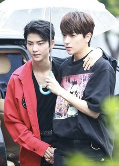 """pankyu~* on Twitter: """"おはようございます そろそろ梅雨入り、かな☔️ #THEBOYZ #더보이즈 #ドボイズ… """" Best Boyfriend, Bias Wrecker, I Am Awesome, How To Become, Kpop, Songs, Shit Happens, Couples, Korean"""