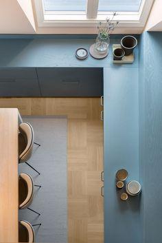 Note Design Studio rejects white in renovated Stockholm apartment — Dezeen Note Design Studio, Notes Design, Modern Interior, Interior Architecture, Interior Design, Timber Companies, Stockholm Apartment, Villa, Old Kitchen
