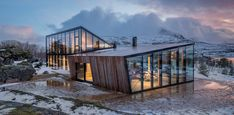 〚 Modern house overlooking the fjord in Norway 〛 ◾ Photos ◾Ideas◾ Design Architecture Design, Beautiful Architecture, Architecture Awards, Building Architecture, Ideas De Cabina, Glass Cabin, Narvik, Villa, Local Architects