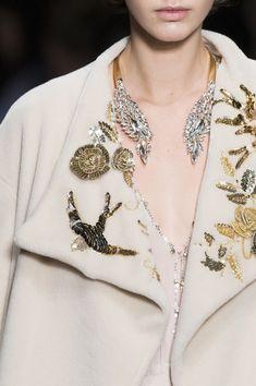 The Embellished Collar - Elisabetta Franchi Fall 2017 Fashion Show Details - The Impression Fashion 2017, Couture Fashion, Fashion Show, Womens Fashion, Fashion Trends, Milan Fashion, Looks Style, My Style, Fashion Details