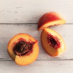 How to Slice Peaches Like a Pro: Your Illustrated Guide Eat A Peach, Peach Fruit, Sweet Peach, Cooking Wine, Cooking With Kids, Fruit And Veg, Fruits And Veggies, Vegetables, Pro Cook