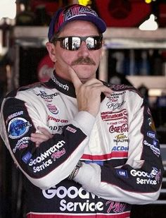 Ten after Sterling Marlin's bump of Dale Earnhardt changed everything Nascar Cars, Nascar Racing, Race Cars, Auto Racing, Aggressive Driving, Terry Labonte, The Intimidator, Danica Patrick, Dale Earnhardt Jr