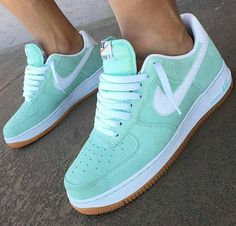Prom Heels Ideas – All About Shoes Cute Sneakers, Sneakers Mode, Sneakers Fashion, Shoes Sneakers, Green Sneakers, Nike Shoes Air Force, Sneaker Outfits, Aesthetic Shoes, Hype Shoes