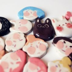 Cute Polymer Clay, Cute Clay, Polymer Clay Charms, Diy Clay, Polymer Clay Jewelry, Clay Art Projects, Polymer Clay Projects, Biscuit, Ceramic Clay