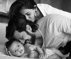 Ritesh & Genelia with son