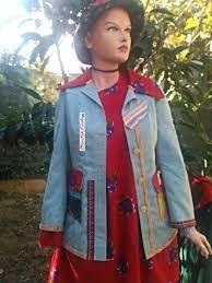 İlgili resim Rain Jacket, Windbreaker, Jackets, Fashion, Down Jackets, Moda, Fashion Styles, Fashion Illustrations, Anorak Jacket