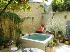 Splendid Outdoor Garden Design Ideas With Small Pool Small Swimming Pools, Small Pools, Swimming Pool Designs, Small Backyard Design, Small Backyard Patio, Backyard Designs, Kleiner Pool Design, Dipping Pool, Mini Pool