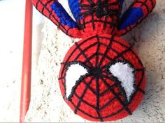 Spiderman by Fucsialidades, via Flickr Amigurumi Toys, Spiderman, Wreaths, Halloween, Crochet, Decor, Art, Projects, Decorating