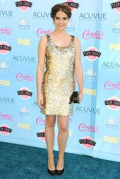 Maia Mitchell sparkled and shined in a gold scalloped sleeveless dress. I thought she looked beautiful. She is really stylish.