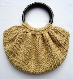 Crochet Fat Bottom Bag  (pattern is in a book, link to book on the page, book available at Amazon)