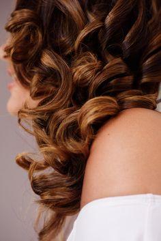Cheveux long bouclés, coiffure de mariée