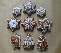 Vianočné Christmas Gingerbread, Diy Christmas Ornaments, Christmas Themes, Gingerbread Cookies, Christmas Cookies, Christmas Decorations, Gingerbread Houses, Ginger Cookies, Sugar Cookies