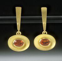 Jewellery by the contemporary jewellery designer JEAN SCOTT-MONCRIEFF