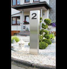 Diese Metallstele Wird Nach Kundenwunsch Mit Hausnummer Gefertigt Und Gibt  Ihrem Eingangsbereich Bzw. Ihrer Einfahrt