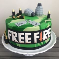 bolo free fire pasta americana   #bolofreefire #jogofreefire #freefire Fire Cake, Fondant Figures, Cakes For Boys, Boy Birthday Parties, Baby Party, Cakes And More, Cake Designs, Drinks, Gabriel
