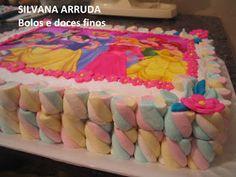 Trabalho com bolos e doces  há 17 anos e curto muito o meu trabalho, coloquei aqui modelos diversos de bolos e doces para  ajudar na sua escolha .  Faço meu trabalho com   capricho e muita dedicação e estou a sua disposição para deixar a sua festa mais saborosa e bonita. ENCOMENDAS COM ANTECEDÊNCIA! ABRAÇOS, SILVANA. F/61-3877.7115  Taguatinga-DF