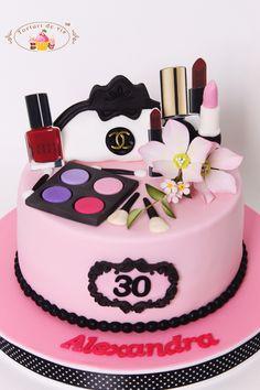 Tort Make-up pentru 30 de ani