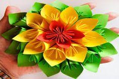 Resultado de imagen para manualidades con papel flores